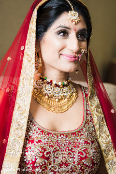 indian bride's hair and makeup,indian bride's fashion,indian bridal jewelry