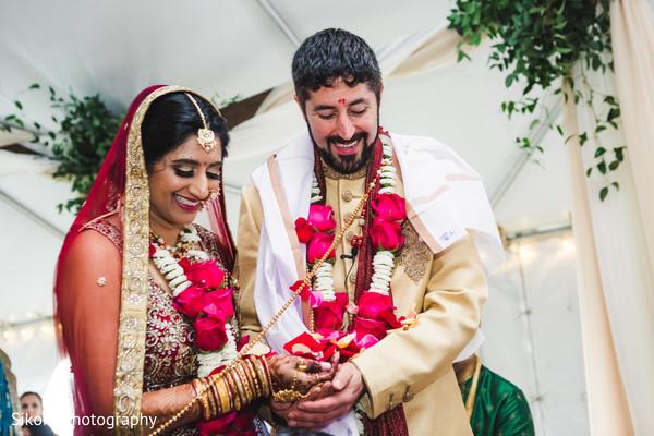 indian bride and groom,indian wedding ceremony fashion,indian wedding ceremony