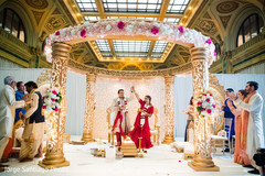indian bride and groom,indian wedding ceremony fashion,mandap