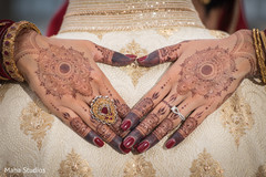bridal mehndi,indian bride mehndi