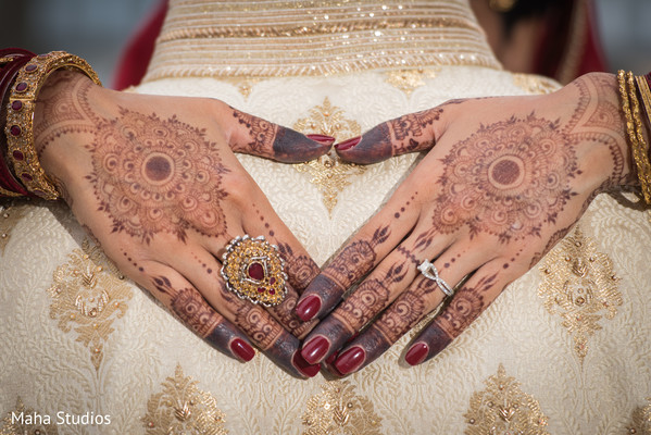 Fantastic indian bridal mehndi