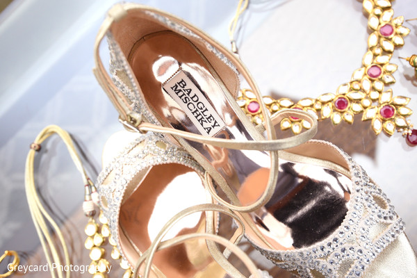 indian wedding gallery,bridal shoes,indian bride shoes