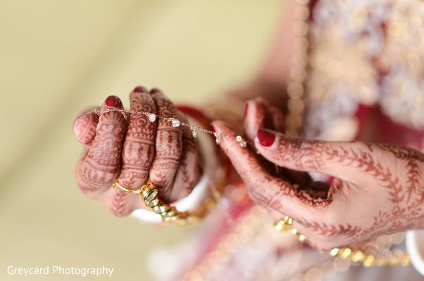 indian wedding gallery,indian bride,bridal jewelry,bridal mehndi