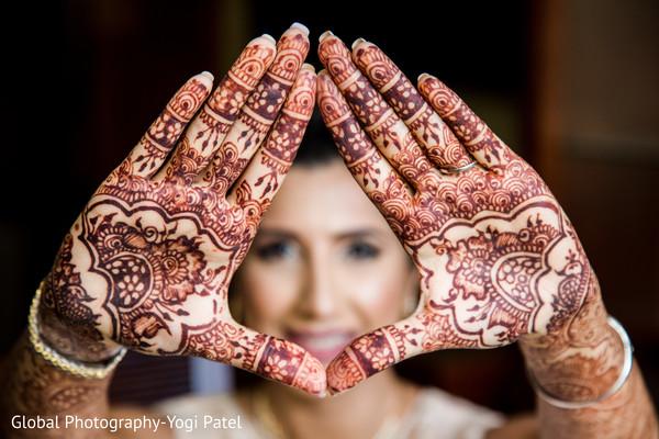 Incredible indian bride's henna art