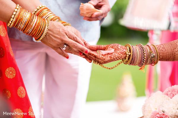 indian wedding,indian bride fashion,mehndi