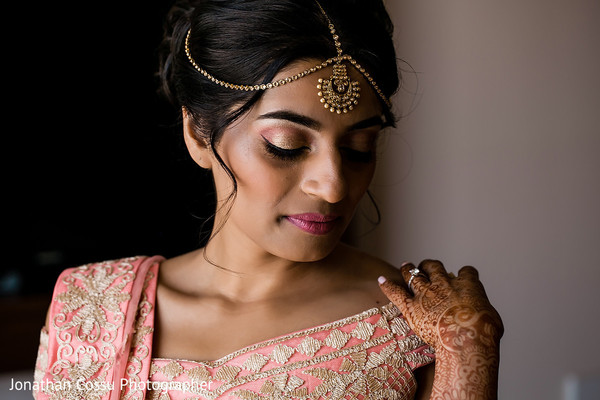 indian wedding gallery,indian bride,indian bride getting ready,indian bride hair and makeup