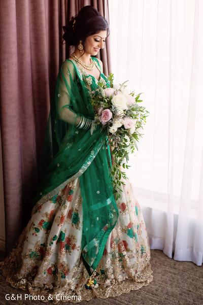 bridal lengha,bridal bouquet