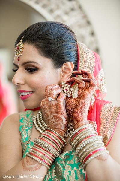 indian wedding gallery,indian bride mehndi,indian bride getting ready,bridal jewelry