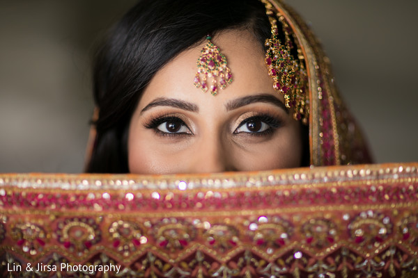 indian wedding gallery,indian bride fashion,bridal jewelry,indian bride makeup