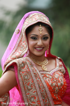 Dazzling indian bride's wedding style