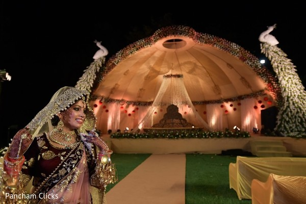 indian mandap,indian bride,indian bride fashion