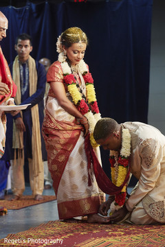 See this lovely indian couple during their wedding rituals