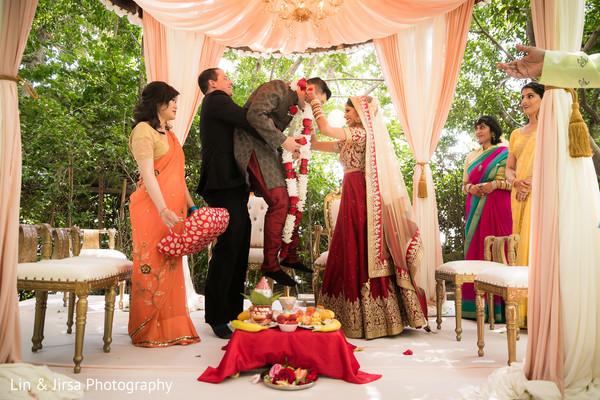 Funny capture of jai mala ceremony
