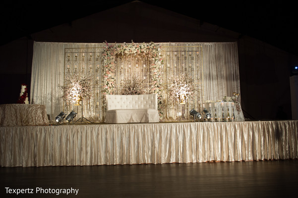 indian wedding venue,indian wedding lighting