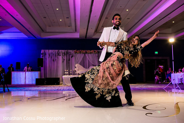 Fantastic indian bride and groom's performance