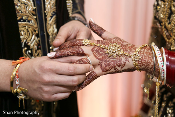 mehndi art,indian bride and groom portrait,indian wedding ceremony