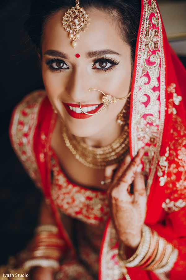 See This Lovely Indian Bride Eye Makeup Photo 180035