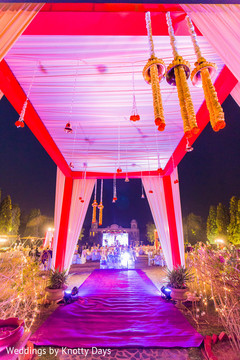 Marvelous indian wedding reception decor