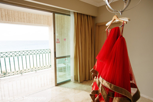 Marvelous Indian bridal red wedding dress.