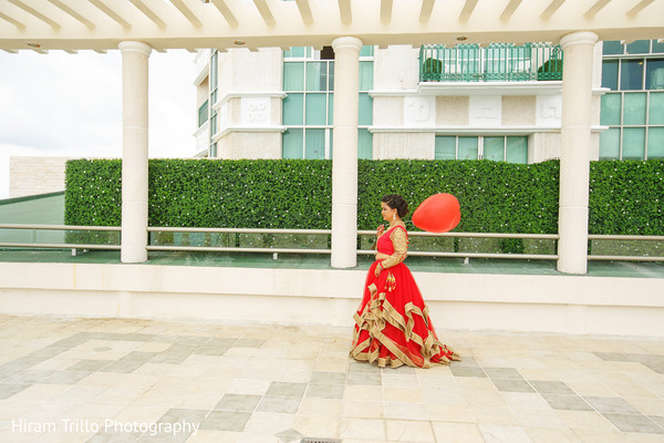 indian bride,first look photography,indian wedding fashion