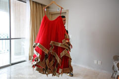 Beautiful Indian bride's lengha capture.