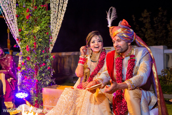 indian bride and groom,indian wedding fashion,indian wedding ceremony,indian wedding ritual