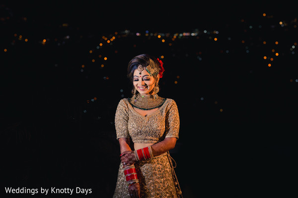 Lovely capture of Indian bride on her wedding ceremony lehnga.