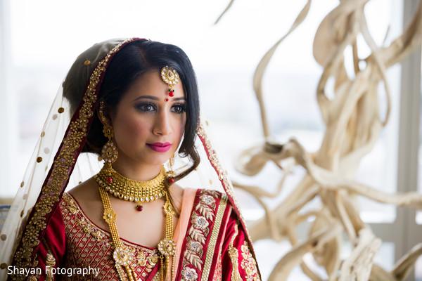 Stunning Indian bride's wedding ceremony fashion.