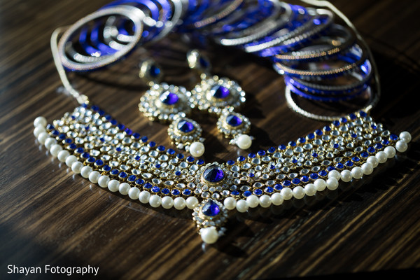 Gorgeous Indian bride's choker necklace.