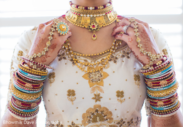 indian bride fashion,indian bride jewelry,polki necklace choker