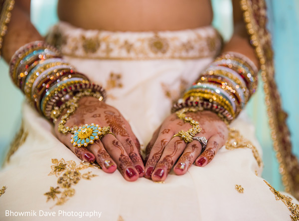 Indian bride's jewelry and mehndi art.