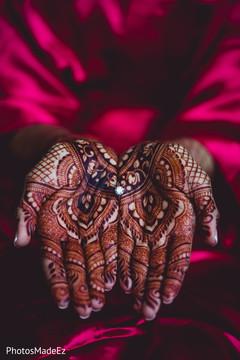 Impressive indian mendhi art with rings