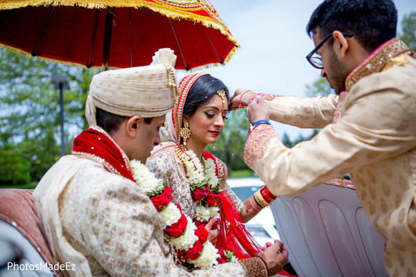 Enchanting indian couple on ceremony