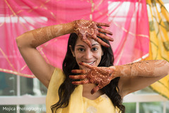 Gorgeous Indian bride with her garba ceremony fashion capture.