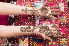 Enjoy the intricate whole hand mehndi designs.