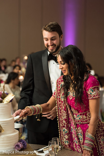 indian bride and groom,indian wedding reception fashion,indian wedding cake