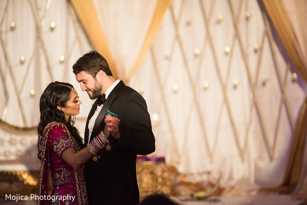 indian bride and groom,indian wedding reception fashion,indian wedding dance