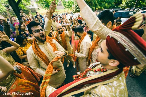 indian wedding baraat,baraat procession,indian groom