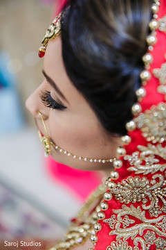 Maharani's wedding nose ring capture.