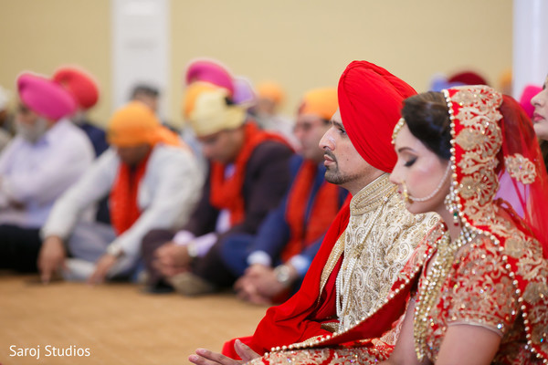 indian bride and groom,indian wedding ceremony fashion,indian wedding rituals