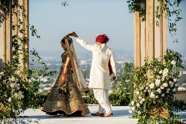 indian bride and groom,indian wedding ceremony fashion,indian bride's lengha,indian groom's sherwani