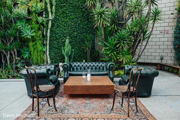 Marvelous plants and seats setup.