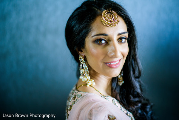 indian wedding gallery,indian bride getting ready,bridal jewelry,indian bride