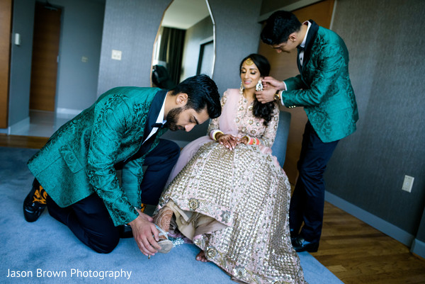 indian wedding gallery,indian bride fashion,indian bride getting ready