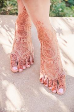 Unique feet bridal mehndi