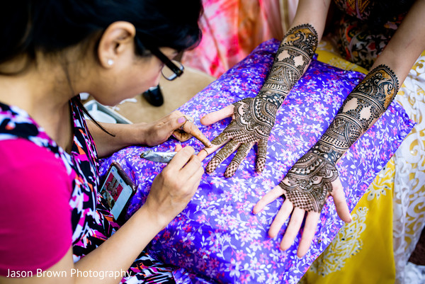indian wedding gallery,pre-wedding celebrations,mehndi party,indian bride