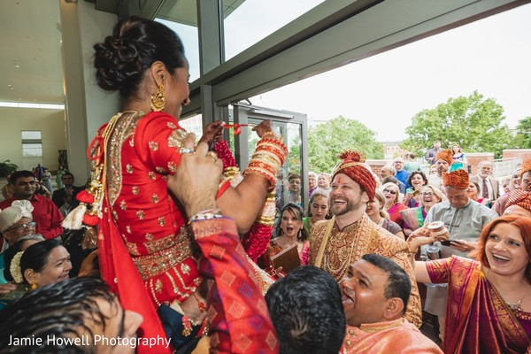 baraat,indian wedding fashion,indian pre-wedding celebration,indian bride and groom