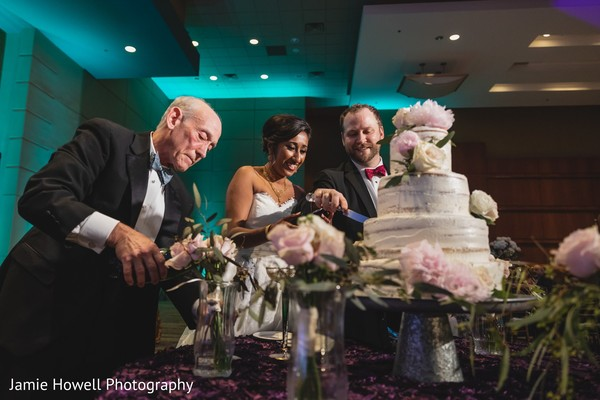 indian bride and groom,indian reception wedding cake
