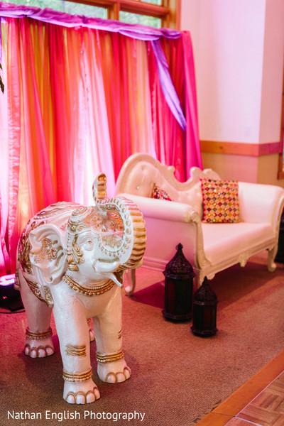 Phenomenal indian wedding stage decor