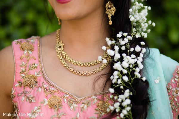 indian bride,indian pre-wedding fashion,indian bridal jewelry